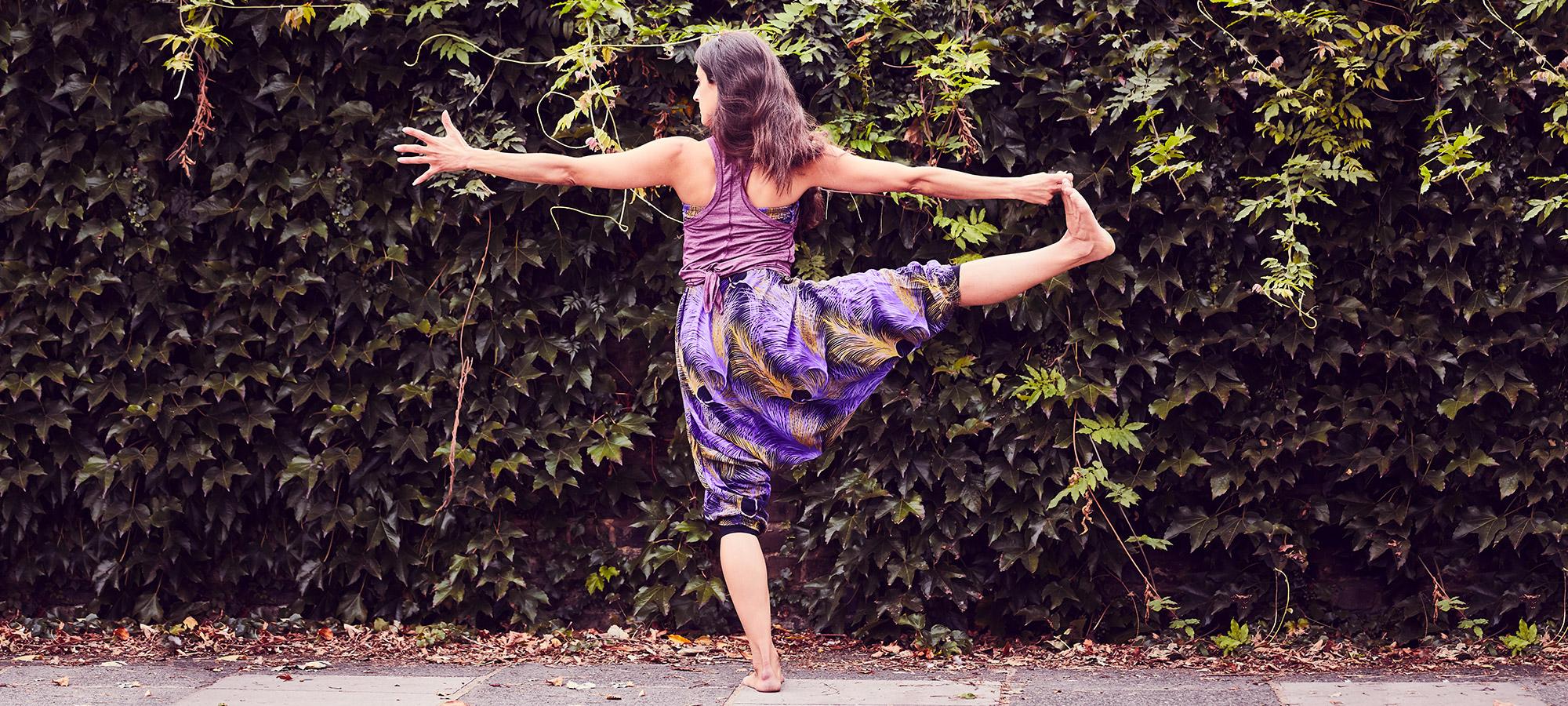 Balancing_yoga